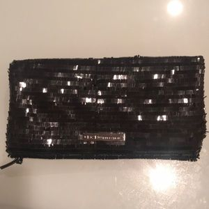Bcbgeneration clutch black